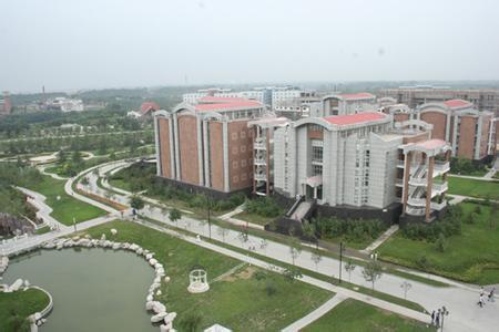河南新郑西亚斯国际学院试验大楼空调